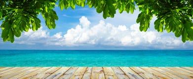 Plażowy i tropikalny morze zdjęcia stock