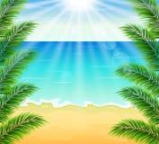 Plażowy i tropikalny morze z jaskrawym słońcem Obraz Stock