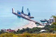 Plażowy pobliski ładunku portu terminal Balchik, Bułgaria Fotografia Royalty Free