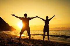 plażowy rodzinny szczęśliwy odprowadzenie fotografia royalty free