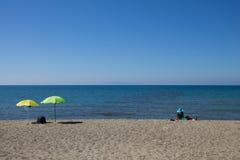 Plażowy widok z kobietą Zdjęcia Stock
