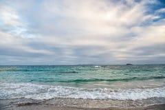 plażowy wyspy Maarten st Karaiby plaża morze karaibskie Błękitne wody morze piękna plażowy karaibów Wyspy Karaibskiej błękitne wo Obraz Royalty Free