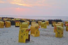 plaży krzeseł głębii pola płycizna bardzo Zdjęcie Royalty Free