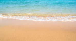 Plaża i fala w morzu Zdjęcie Royalty Free