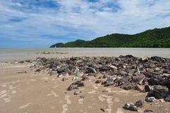 plaża i niebieskie niebo Fotografia Stock