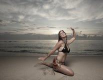 plażowa dancingowa kobieta Zdjęcie Stock
