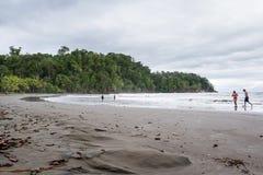 Plażowa scena w Costa Rica Zdjęcia Stock