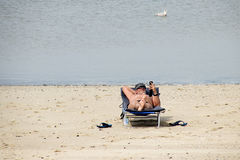 Plażowa zabawa na Brouwersdam siódmy struktura delta Pracuje Fotografia Royalty Free