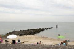 Plażowa zabawa na Brouwersdam siódmy struktura delta Pracuje Fotografia Stock