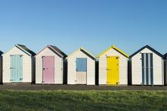 Plażowe budy przy Goodrington Zdjęcia Stock