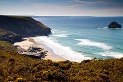 plażowy Cornwall frajera rockl pasemka trebarwith Fotografia Stock