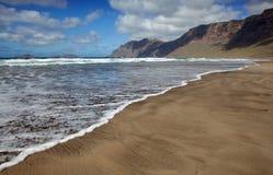 plażowy famara Lanzarote Obraz Royalty Free