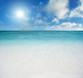 Plażowy i tropikalny morze Obrazy Stock