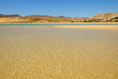 Plażowy Playa De Sotavento na Fuerteventura, Hiszpania - 16 02 2017 Zdjęcie Royalty Free