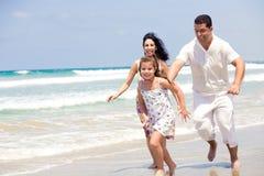plażowy rodzinny bieg Fotografia Stock
