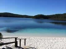 Plaża w jeziorze Obrazy Royalty Free