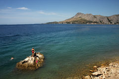 Plaża w Omis, Chorwacja obraz stock