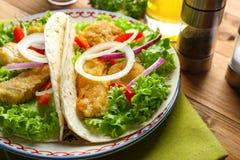 Plaat met smakelijke vissentaco's Royalty-vrije Stock Afbeelding