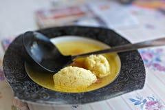 plaat met soepbollen Stock Fotografie
