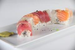 Plaat met verschillende soorten sushi Royalty-vrije Stock Fotografie