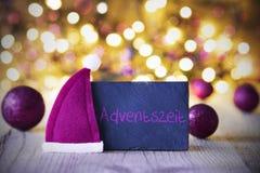 Plaat, Santa Hat, Lichten, Adventeszei-Middelen Advent Season Stock Fotografie