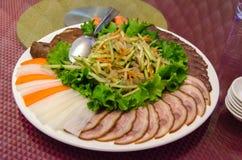 Plaat van Chinese salade met kwallen Stock Fotografie