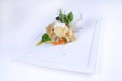 Plaat van fijne het dineren maaltijd - citroen enige groenten Stock Fotografie