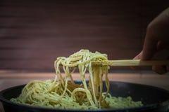 Plaat van spaghetti Stock Foto's