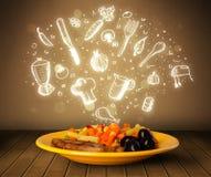 Plaat van voedsel met witte hand getrokken pictogrammen en symbolen Royalty-vrije Stock Foto