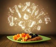 Plaat van voedsel met witte hand getrokken pictogrammen en symbolen Royalty-vrije Stock Foto's