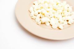 Plaat van Witte Chocoladeschilfers Royalty-vrije Stock Afbeeldingen
