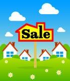 Plaat voor verkoop Huis voor verkoopteken De verkoop van de tekenhuisvesting Stock Foto's