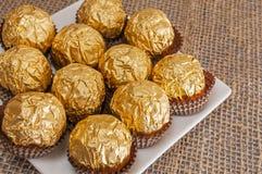 Plaathoogtepunt van hazelnootchocolade Stock Afbeelding