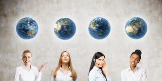 Plaats van vrouw in verschillende delen van de wereld Royalty-vrije Stock Foto's