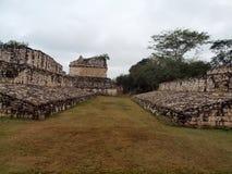 Plaats voor het rituele balspel van oud Mayan Ind. Royalty-vrije Stock Afbeeldingen