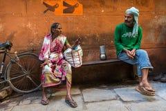 Plaatselijke bewoners op één van de straten van de oude stad Royalty-vrije Stock Fotografie