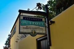 Placówka Podpisuje wewnątrz St George ulicę w Floryda Historycznym wybrzeżu fotografia stock