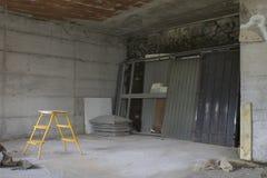 Plac budowy, dom podczas budowy robić z betonem Zdjęcia Stock
