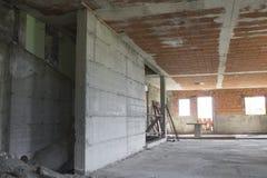 Plac budowy, dom podczas budowy robić z betonem Fotografia Royalty Free