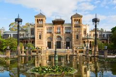 Plac de Ameryka w pogodnym ranku, Parque De Maria Luisa, Seville, Andalusia, Hiszpania obrazy stock