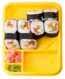 Placa amarela com rolos do sushi Fotos de Stock Royalty Free