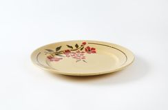 Placa bege com teste padrão floral Fotos de Stock Royalty Free