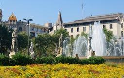 Placa Catalunya喷泉 免版税库存照片
