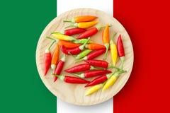 Placa colorida de las pimientas de chile con el indicador de México foto de archivo