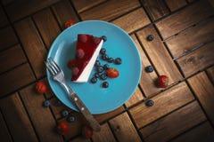 Placa com bolo de queijo fotografia de stock