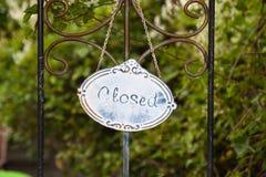 Placa com o texto fechado Foto de Stock Royalty Free