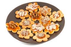 Placa com os biscoitos de manteiga caseiros Imagens de Stock Royalty Free