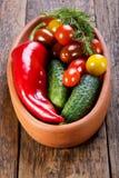 Placa com os legumes frescos diferentes fotografia de stock