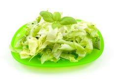 Placa com salada fresca da alface fotografia de stock royalty free