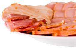 Placa com salsicha e presunto Fotografia de Stock